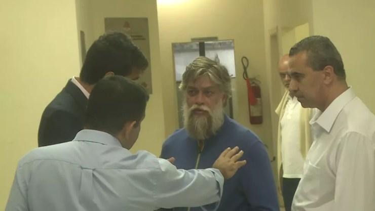 Ator Fábio Assunção é preso após se envolver em acidente (Foto: David Irikura/TV Globo)