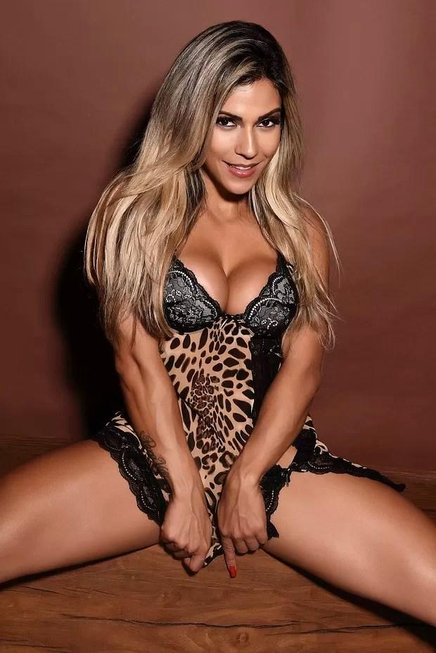 Verônica Araújo para a Sexy do mês de julho (Foto: Marcio Del Nero / Divulgação / Revista Sexy)