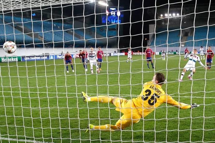 Muller, CSKA x Bayern de Munique (Foto: AP)