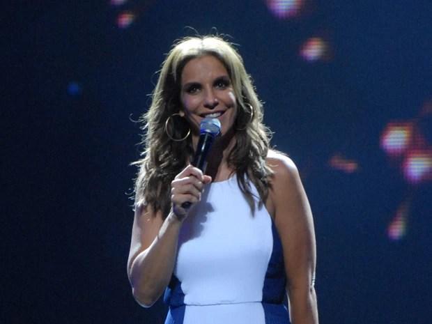 Ivete Sangalo participa do Divã e canta seus maiores sucessos