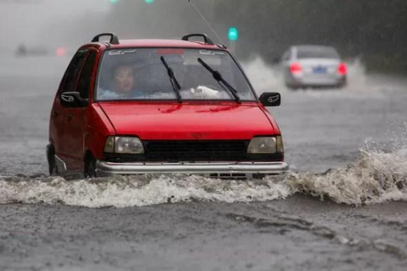 Lianyungang, na província de Jiangsu, também sofre com inundações (Foto: China Daily/Reuters)