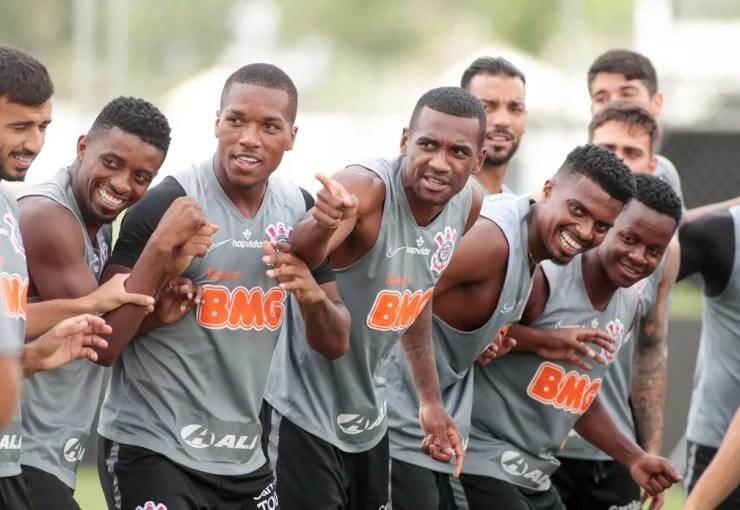Jogadores do Corinthians no treino desta quinta — Foto: Rodrigo Coca/Ag. Corinthians