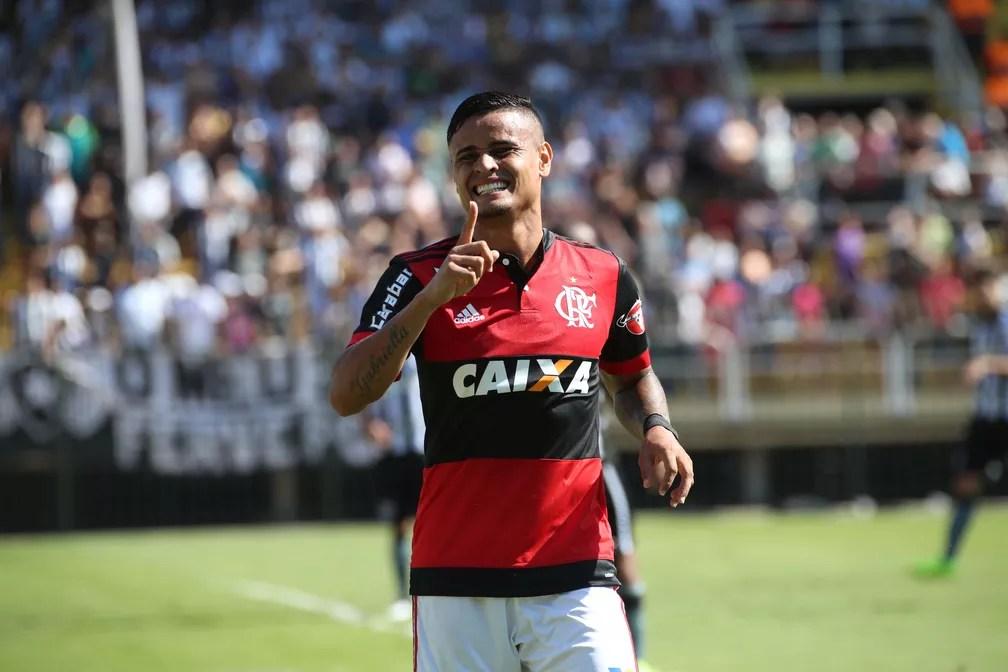 Flamengo corre atrás da vitória na Ilha do Retiro (Foto: Gilvan de Souza / Flamengo)