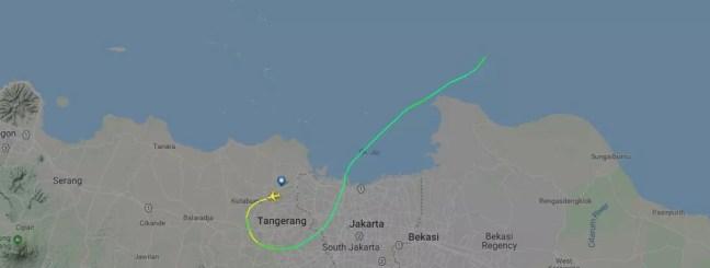 Site de rastreamento de voos mostra trajetória do avião que perdeu o contato após decolar do Aeroporto de Jacarta — Foto: Reprodução/Flightradar