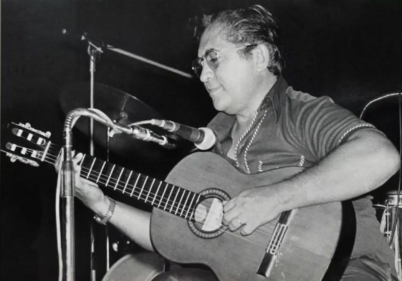 Canhoto da Paraíba, em show do Projeto Pixinguinha, de 1978 (Foto: Funarte/Acervo público)