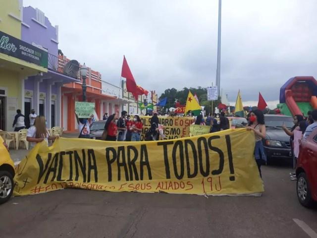 Protesto contra Bolsonaro e a favor da vacina em Rio Branco — Foto: Agatha Lima/Arquivo pessoal
