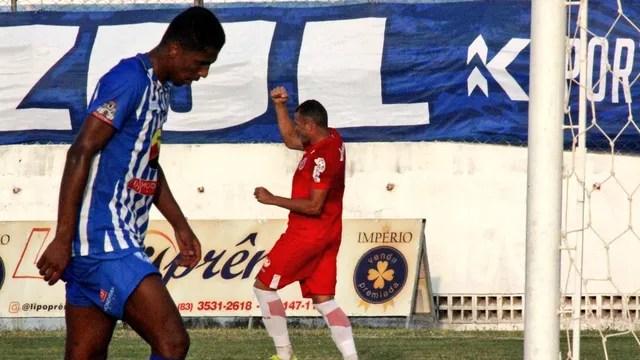 Wallace Pernambucano marca dois na vitória do América-RN sobre o Atlético de Cajazeiras