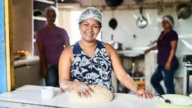 Restaurante Sumimi, de Neurilene Cruz, é um dos empreendimentos financiados no Amazonas — Foto: Bruno Fujii / FAS