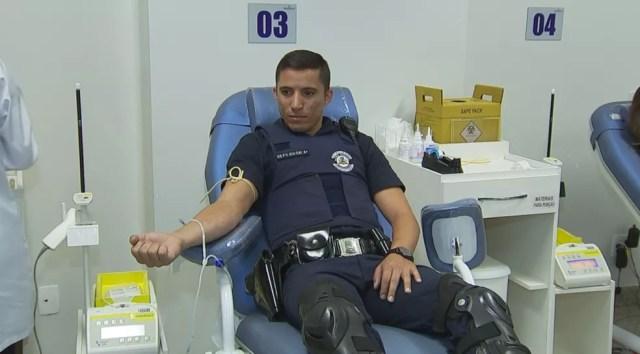 Guarda doa sangue neste domingo (15) no Hemocentro de Rio Preto (Foto: Reprodução/TV TEM)