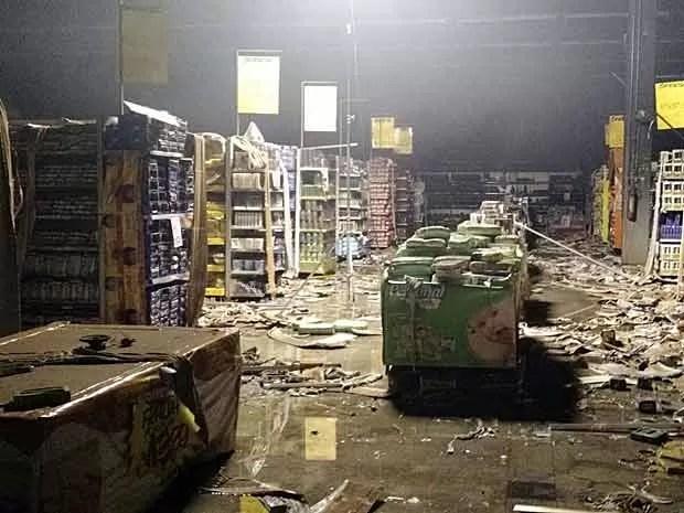Interior de supermercado atingido por incêndio no DF (Foto: Corpo de Bombeiros DF/Divulgação)