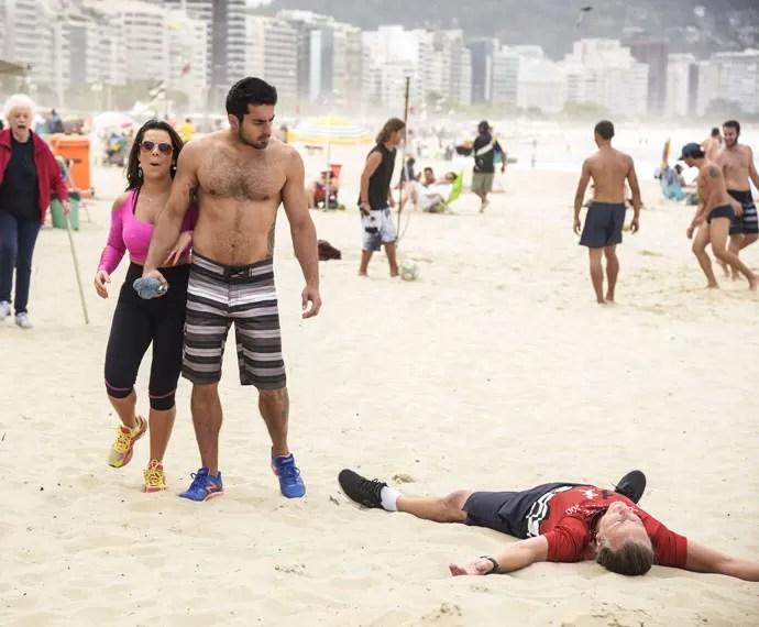 Vavá leva a pior em briga por causa de Mel (Foto: Raphael Dias/Gshow)