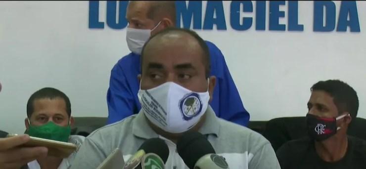 Vereador Clodoaldo Rodrigues toma posse no cargo de prefeito de Cruzeiro do Sul na terça (18) — Foto: Reprodução/Rede Amazônica Acre