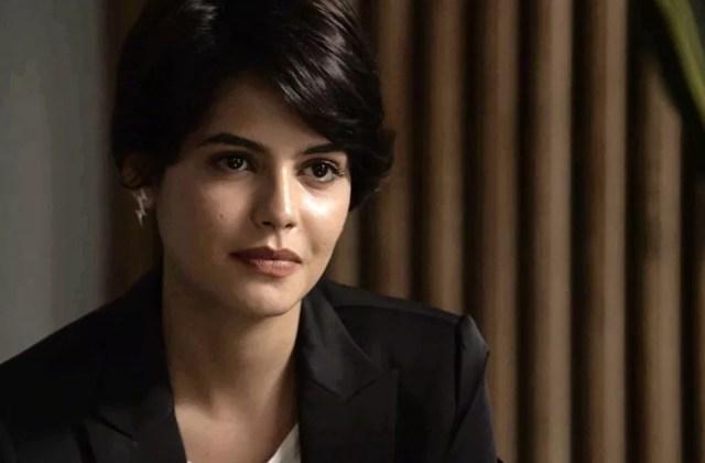 A advogada fica surpresa com reação de Clara (Foto: TV Globo)