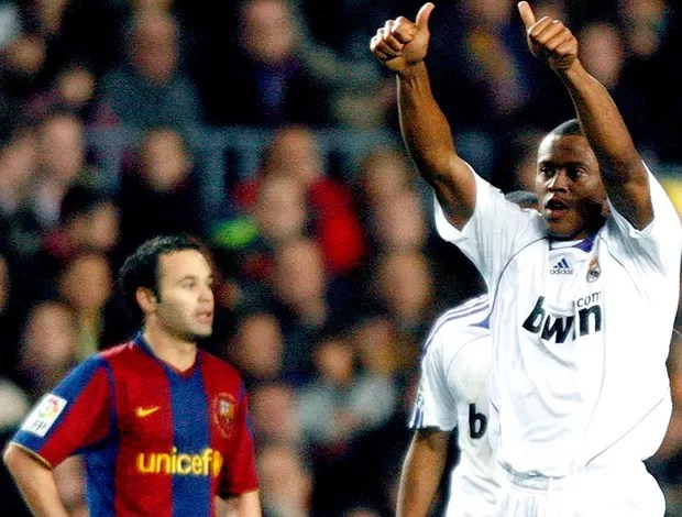 Julio Baptista real madrid gol barcelona 23/12/2007 (Foto: Agência Reuters)