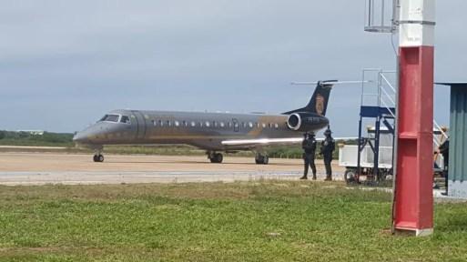 Aeronave pousou em Mossoró por volta das 9h — Foto: Sara Cardoso/Inter TV Costa Branca