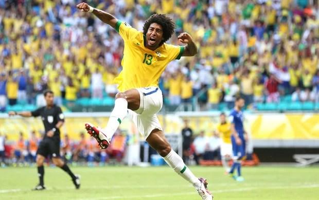 Dante comemoração Brasil e Itália (Foto: Agência AP)