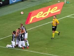 Gilvan comemora gol do Ceará x Bahia (Foto: Juscelino Filho)