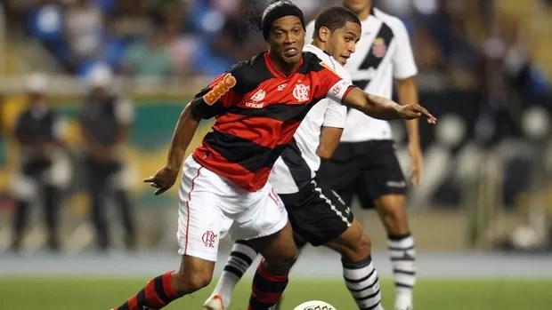 Ronaldinho Flamengo x Vasco (Foto: Marcos de Paula / Ag. Estado)