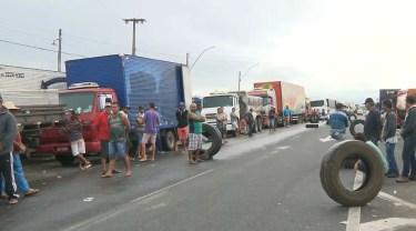 Postos teriam aumentado os valores dos combustíveis durante a Greve dos Caminhoneiros — Foto: Reprodução/TV Paraíba
