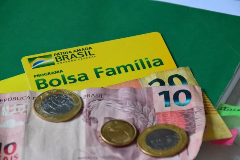 Pagamento do 13° do Bolsa Família tem início nesta quinta-feira (11) — Foto: Lidianne Andrade/Myphoto Press/Estadão Conteúdo