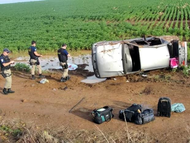 Família seguia para Goiás quando ocorreu o acidente, segundo a PRF. (Foto: Clique F5)