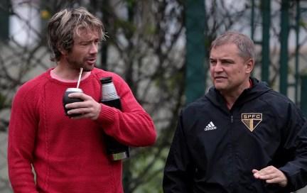 Lugano e Aguirre também são uruguaios e dão confiança para Gonzalo Carneiro — Foto: Rubens Chiri / saopaulofc.net