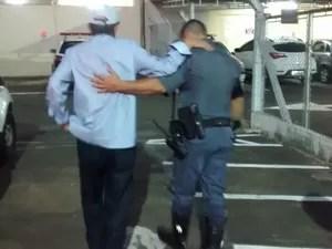 Bispo foi detido com sinais de embriaguez em São Carlos (Foto: São Carlos Agora/Arquivo pessoal)