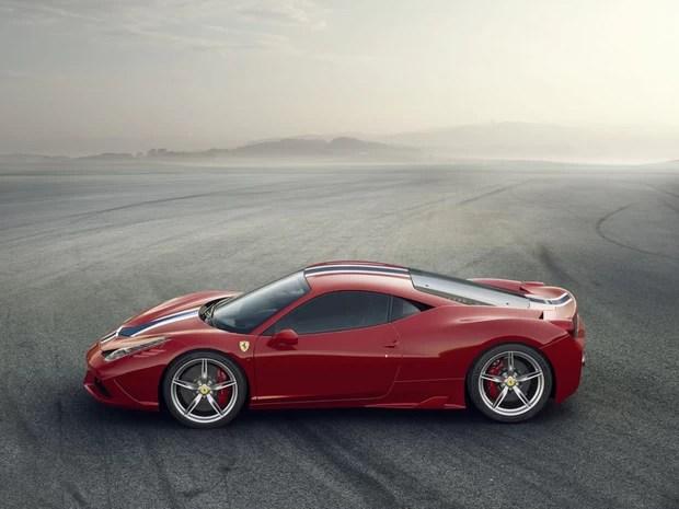 Nova versão da 458 Italia, a Speciale, traz aerodinâmica diferenciada (Foto: Divulgação)