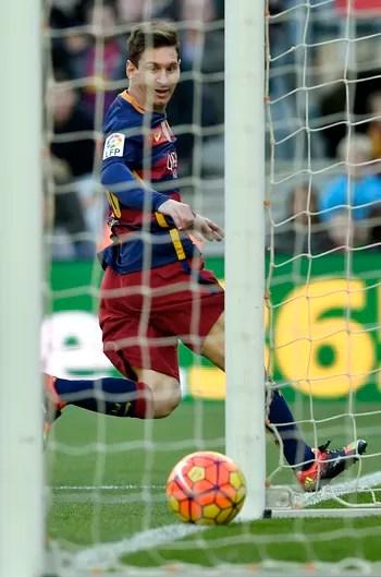 messi_1 Messi caminha para a quinta Bola de Ouro