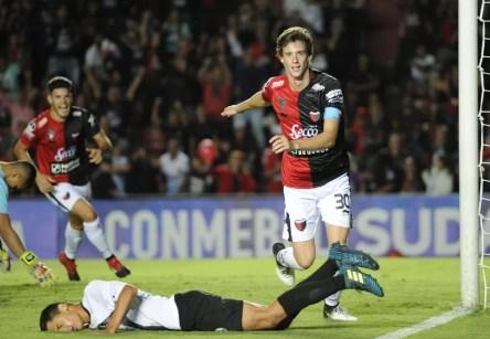 Germán Conti fez o gol da classificação contra o Zamora, na primeira fase (Foto: Marcelo Manera/AFP)