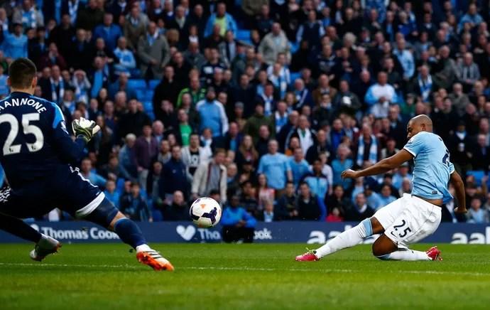 Fernandinho Manchester City (Foto: Reuters)