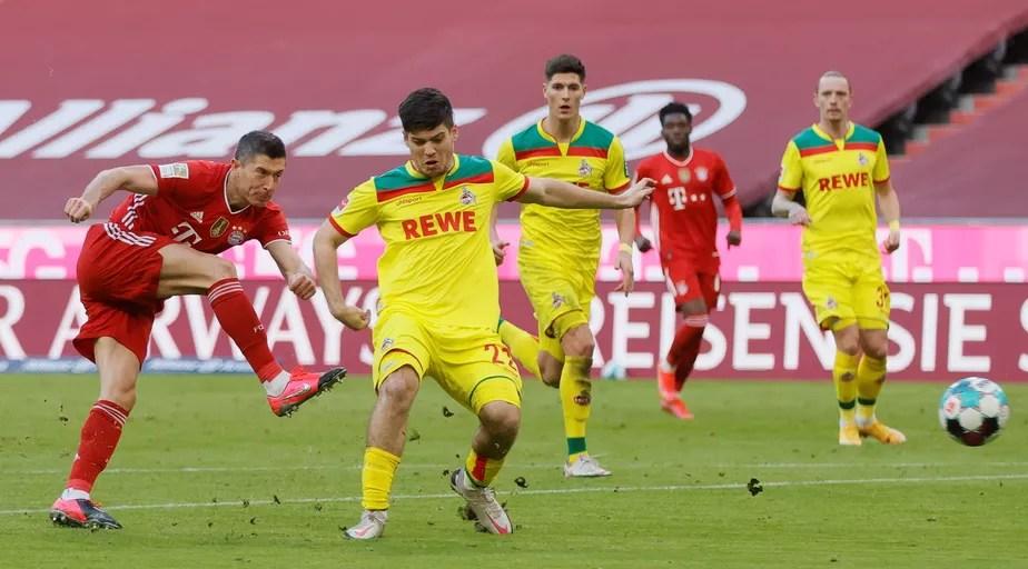 Lewandowski marca dois em goleada do Bayern, e Reinier desencanta pelo Borussia