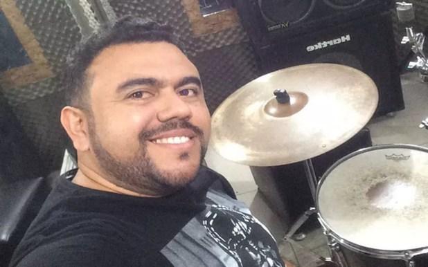 Sérgio Ramos era esposa de Eliza Clívia também era baterista da banda. (Foto: Rede Social/Instagram)