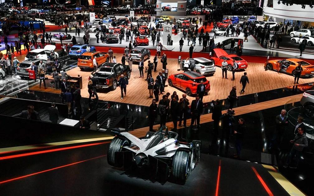 Salão de Genebra é conhecido como o evento dos supercarros (Foto: Fabrice Coffrini/AFP)