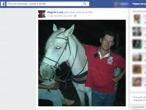 Vaqueiro Wagner Lima e o cavalo Sereno (Foto: Reprodução/Facebook)