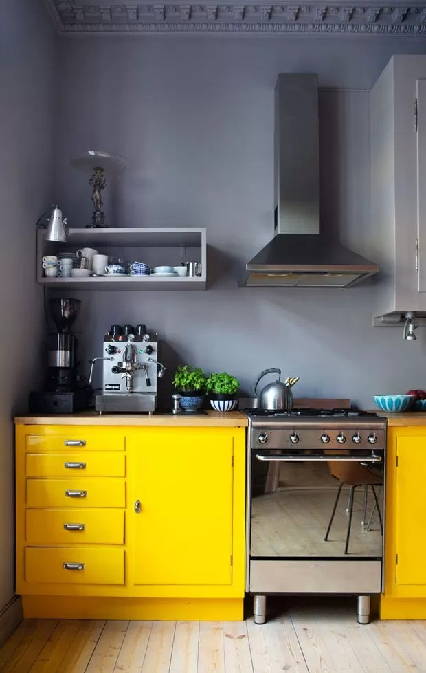 Dcor do dia cozinha amarela e cinza  Casa Vogue  Dcor