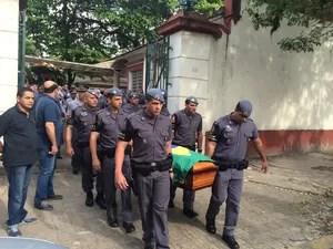 PM morto em São Paulo foi enterrado em Santos (Foto: Solange Freitas / G1)