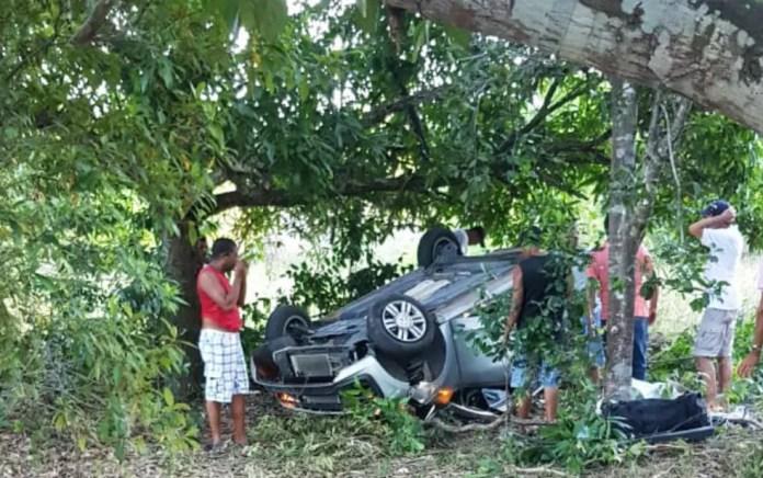 Acidente aconteceu na tarde de domingo (24) — Foto: Divulgação/PRF