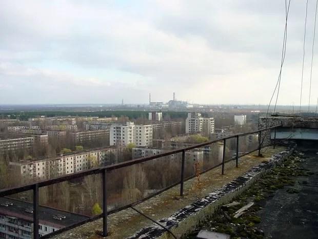 Usina de Chernobyl vista de Prypiat (Foto: Wikimedia Commons)