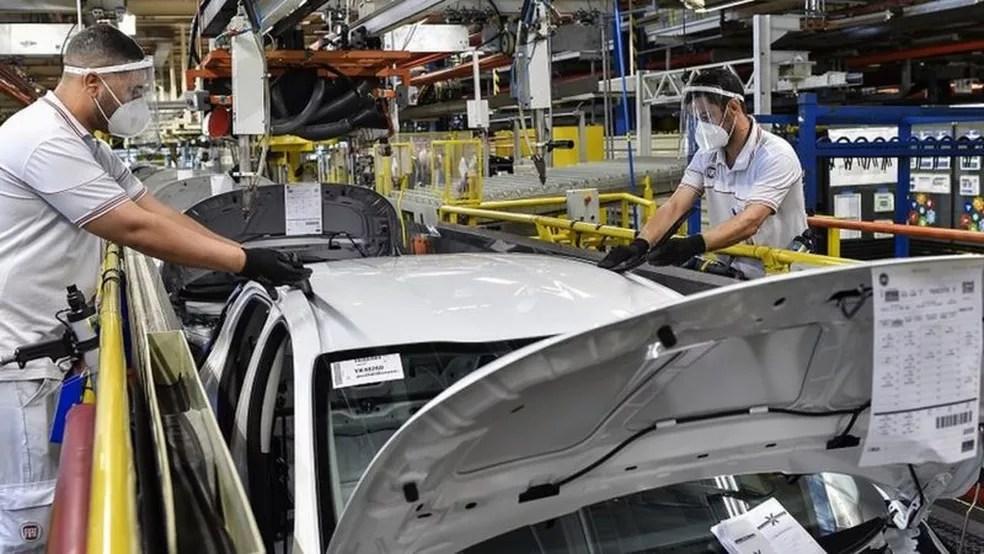 'Empresas estão em espera. Não estão demitindo, mas estão examinando o mercado', diz analista — Foto: Getty Images/Via BBC