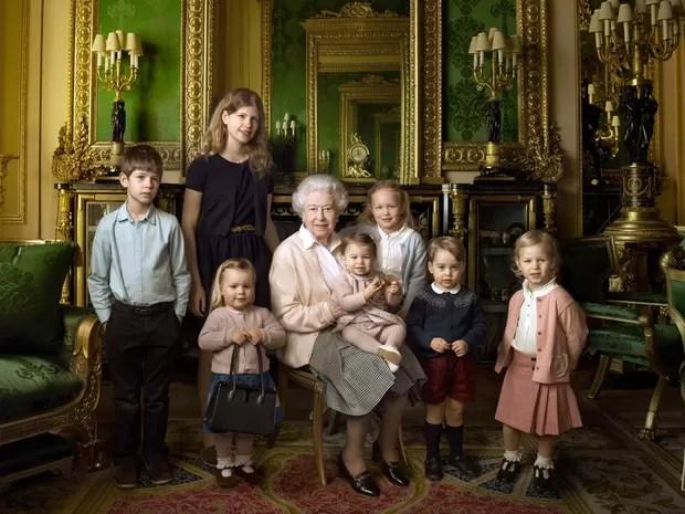 G1  Rainha Elizabeth II completa 90 anos  notcias em Mundo