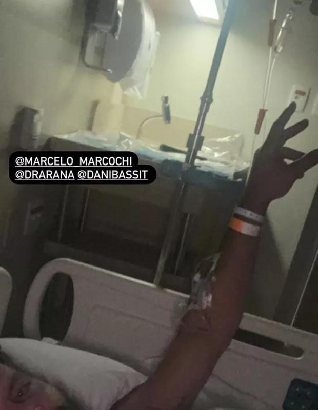 Henri Castelli relata agressões e mostra ferimentos (Foto: Reprodução/Instagram)