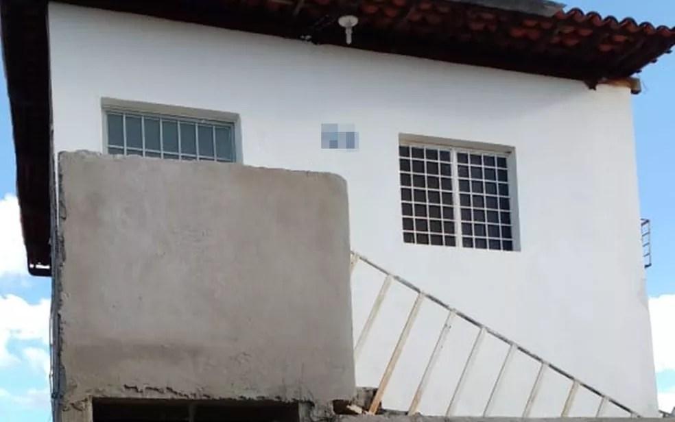 Segundo Polícia Civil, crime aconteceu dentro de apartamento no bairro Juá Doce, em Patos, na Paraíba (Foto: Ronis Fernandes/Polícia Civil)