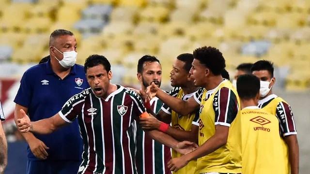 Fred festeja o gol do Fluminense