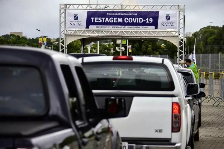 Natal faz 'drive-thru' de testes rápidos para coronavírus — Foto: Pedro Vitorino/Cedida