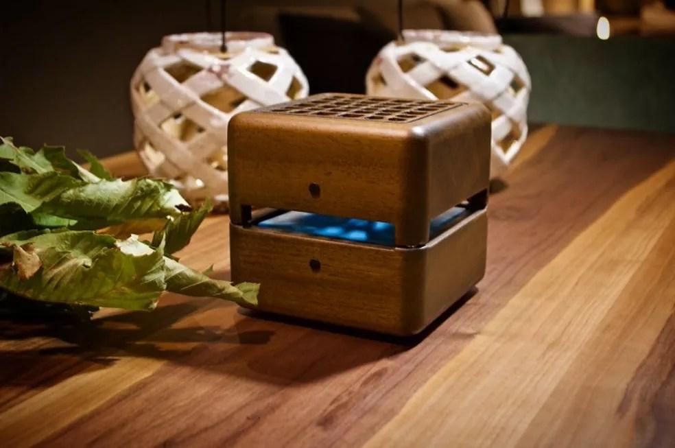 Ar-condicionado portátil também funciona como objeto de decoração (Foto: Divulgação/Geizeer)