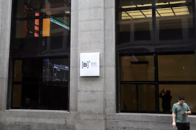 Fachada do prédio da B3, a bolsa brasileira, no Centro de São Paulo — Foto: Rahel Patrasso/Reuters