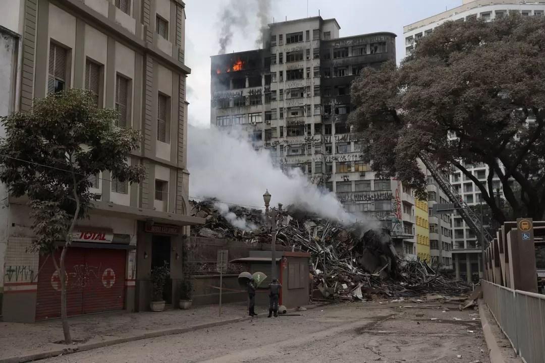 Prefeitura de São Paulo cadastrou 248 pessoas desalojadas em incêndio no centro de São Paulo