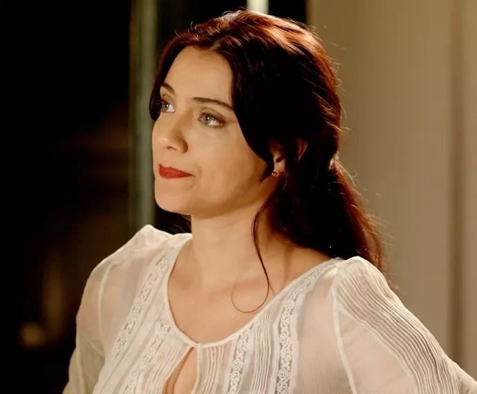 Anita diz para Lívia que a amiga está apaixonada por Felipe... (Foto: TV Globo)