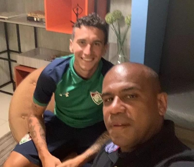 Dodi e o empresário Carlos Escuro — Foto: Reprodução